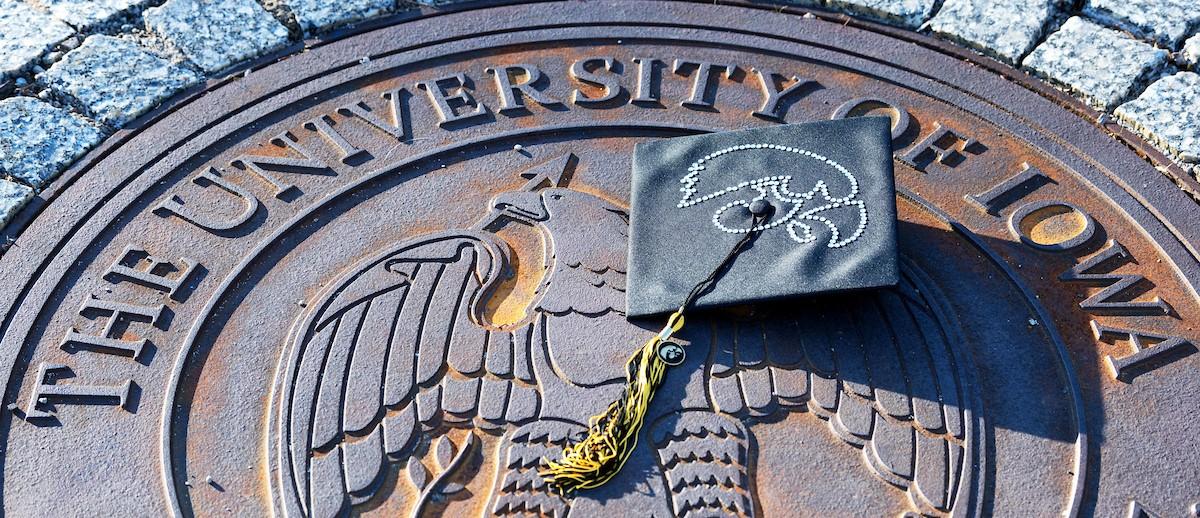 Iowa Seal and Graduation Cap